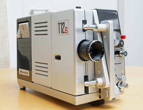 Reparatur eines Schmalfilm Projektors Bauer T12s